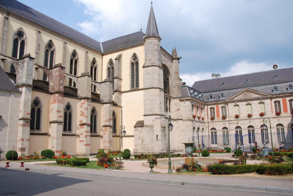 Abbatiale Remiremont et Place de Mesdames