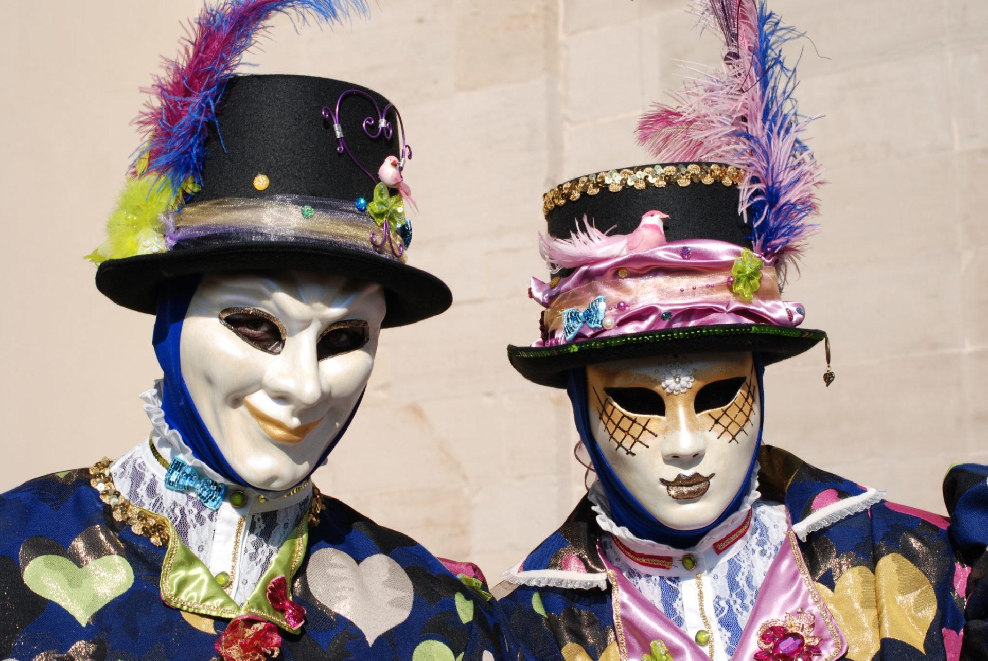 Couple costumés Les Coeurs - Photo A.Leclerc