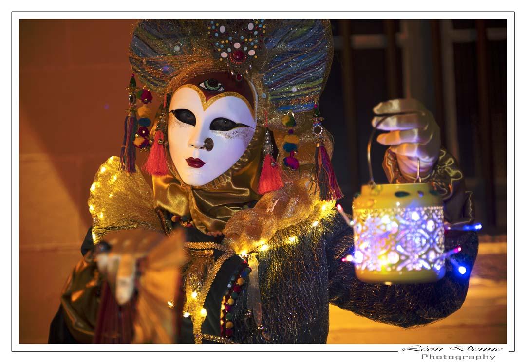 A la lueur de la lanterne - Photp L.Denne