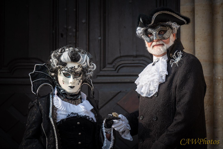 Couple de marquies tendance gothique - Photo C.A Warnier
