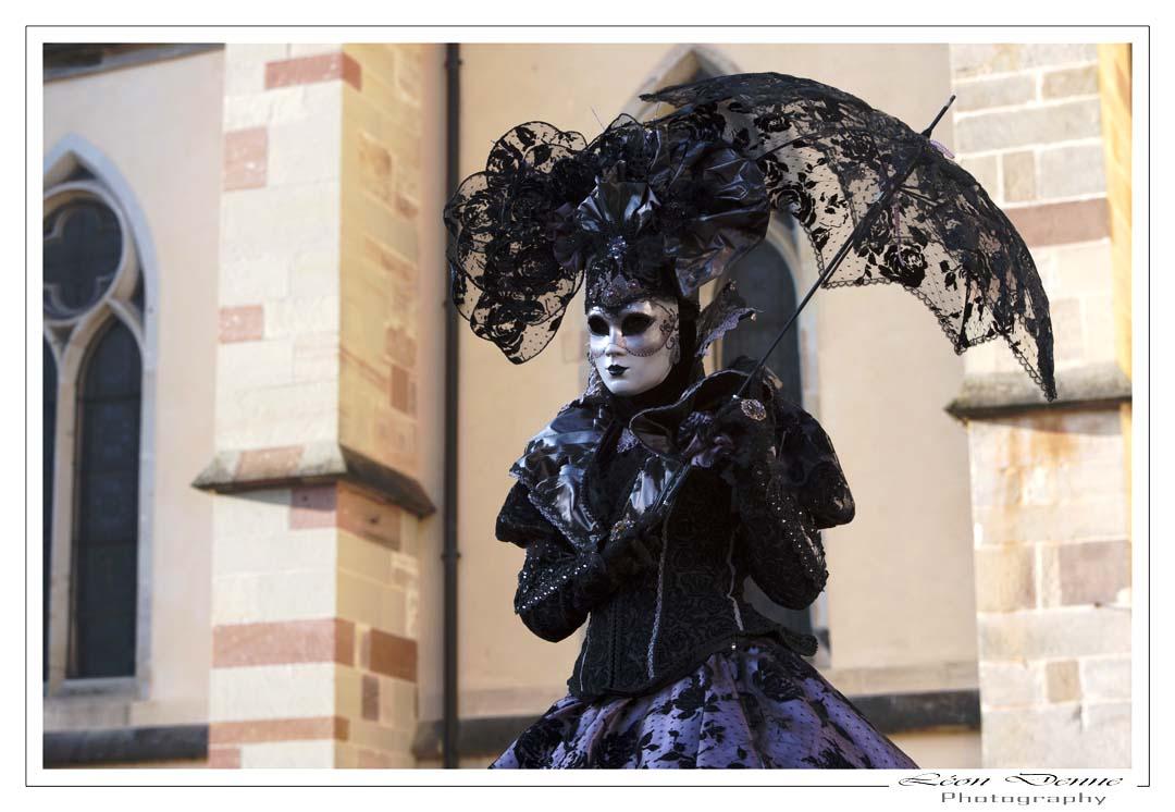Dame en noir - Photo L.Denne