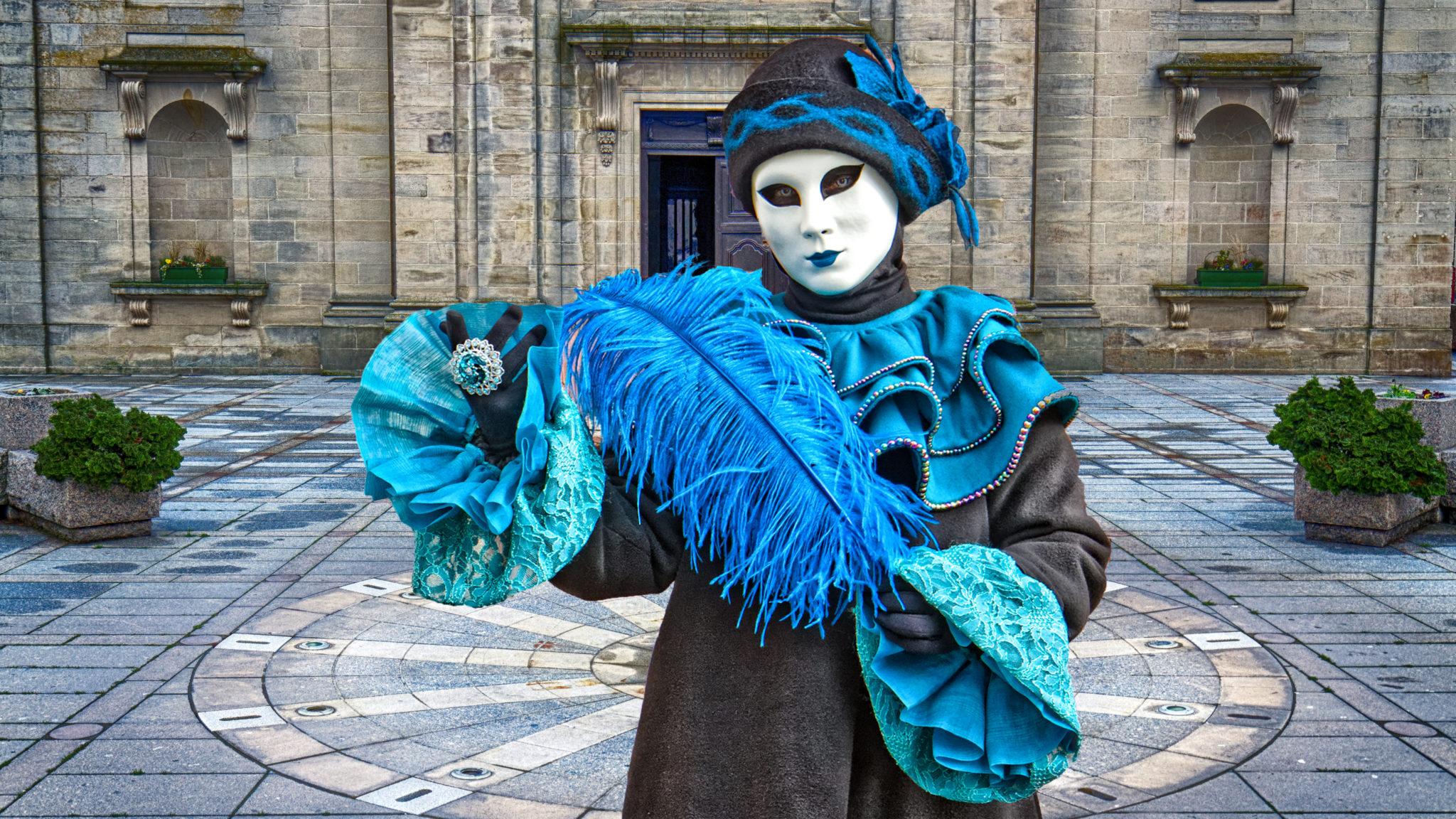 La dame en bleue - Photo J.Monnin