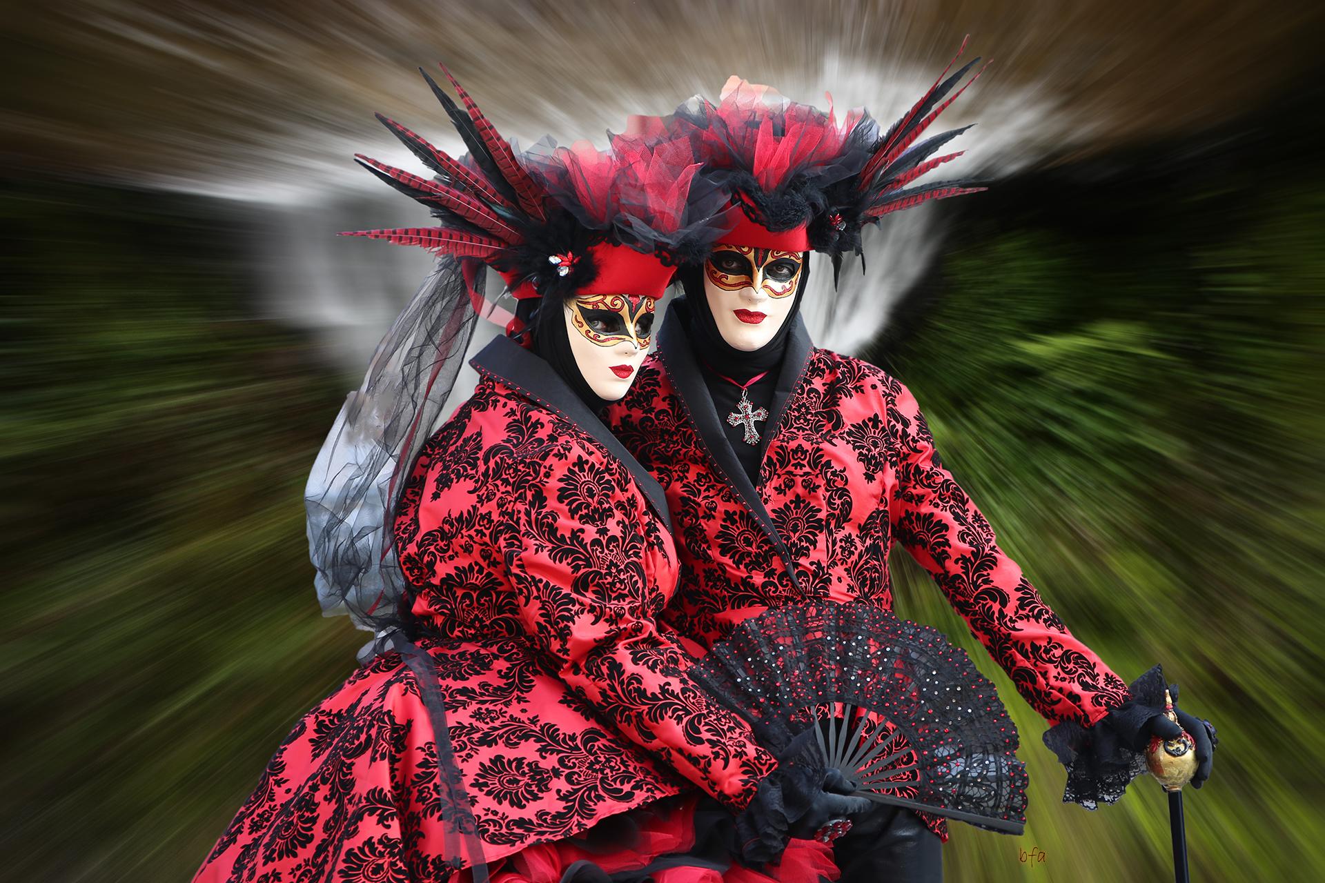 En rouge et noir - Photo Blandine et Francis Aubertin