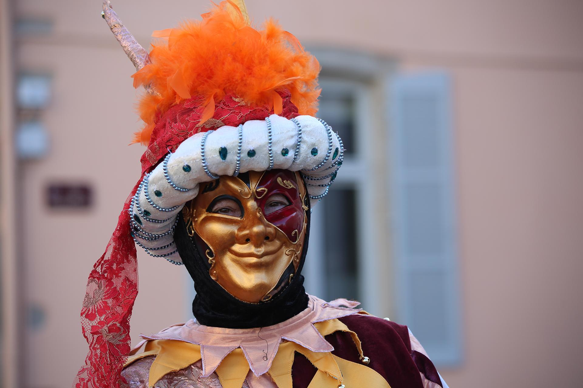 Tout sourire derrière le masque- Photo Blandine et Francis Aubertin