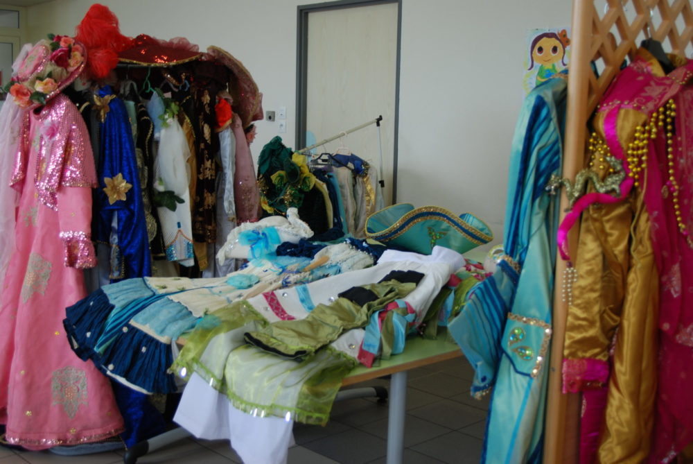 Costumes et accesoires faits main - Photo AL