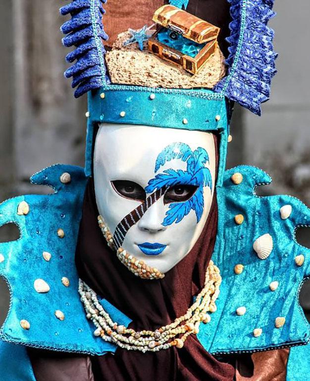 carnaval-venitien-remiremont-photo-costume-bleu theme-tresors de la mer-Nelson JILAVYAN