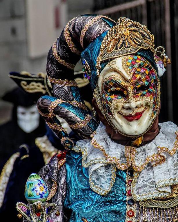 carnaval-venitien-remiremont-photo-costume-lutin-malicieux-Nelson JILAVYAN