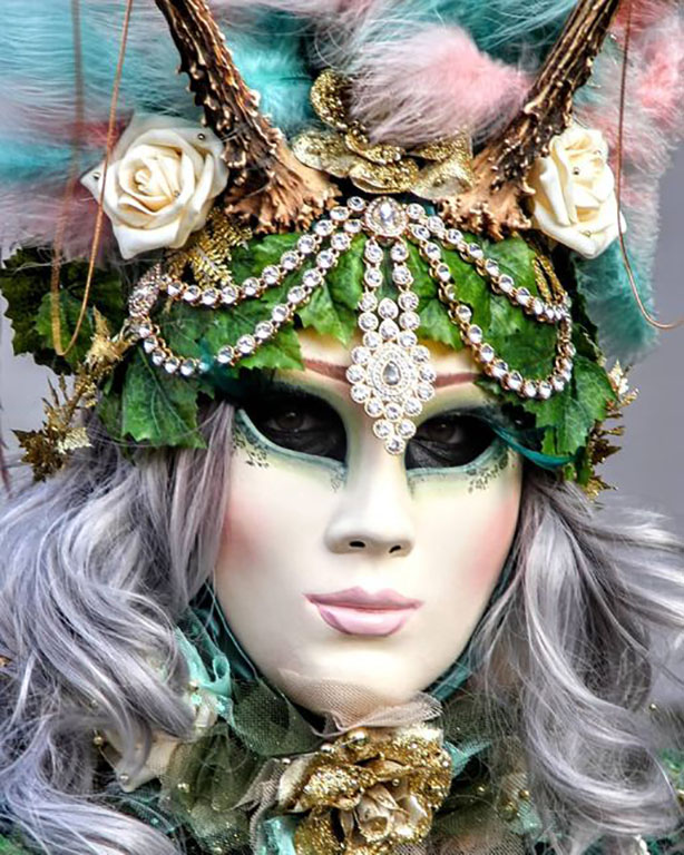 carnaval-venitien-remiremont-photo-costumee-gros-plan-de-Nelson-JILAVYAN