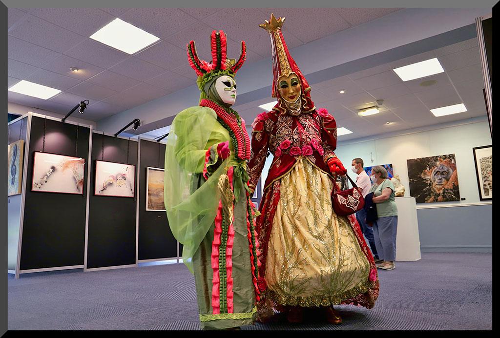 carnaval-venitien-remiremont-vittel-2021-costumes-rouge-vert