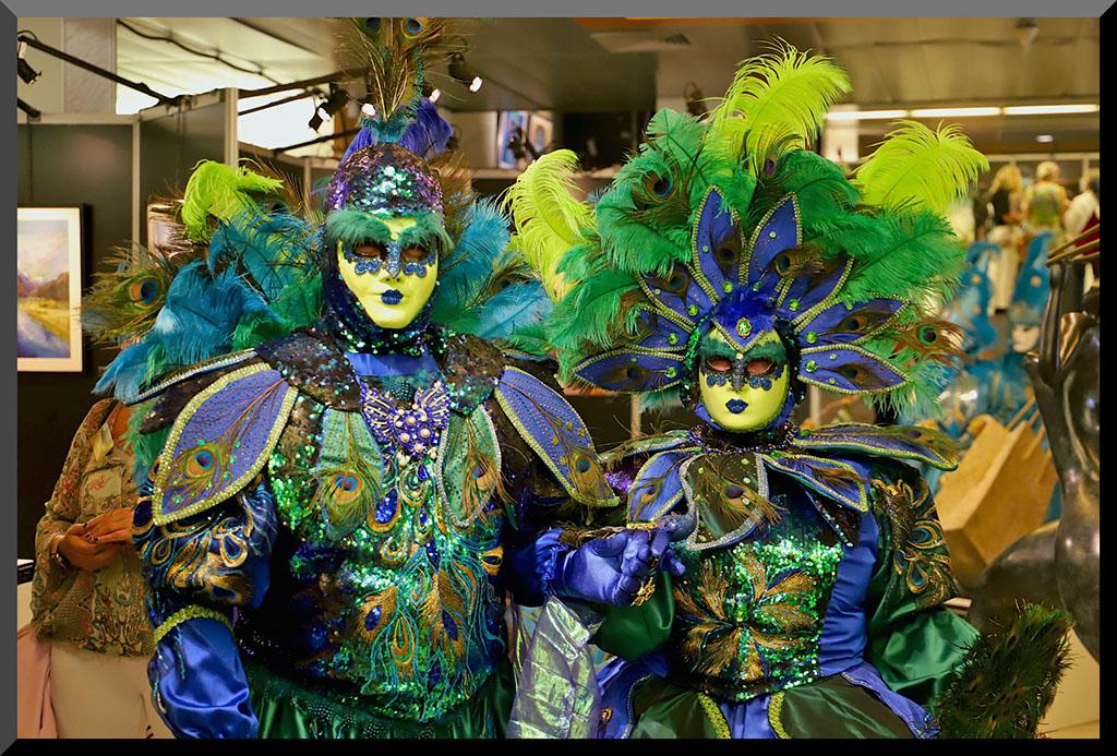 carnaval-ventien-remiremont-vittel-2021-couple-costumes-bleu-vert-or-galerie-peinture